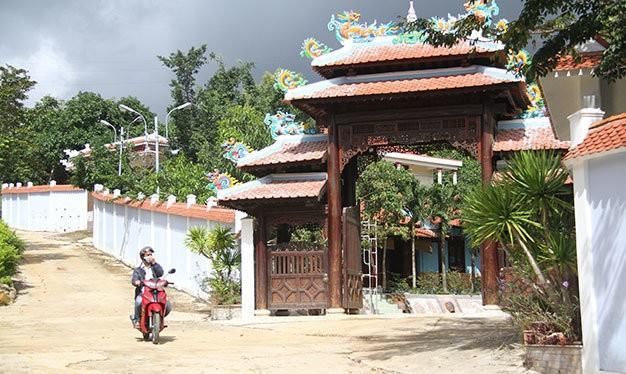 Biệt thự xây trái phép dưới chân núi Hải Vân ở phường Hòa Hiệp Bắc, quận Liên Chiểu, TP Đà Nẵng
