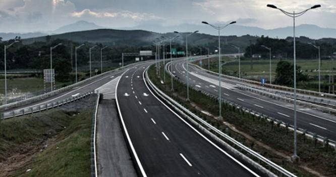 Năm 2014 ngành giao thông khởi công và hoàn thành nhiều dự án giao thông trọng điểm quan trọng, do vậy đời sống của cán bộ công nhân viên cũng được cải thiện so với những năm trước