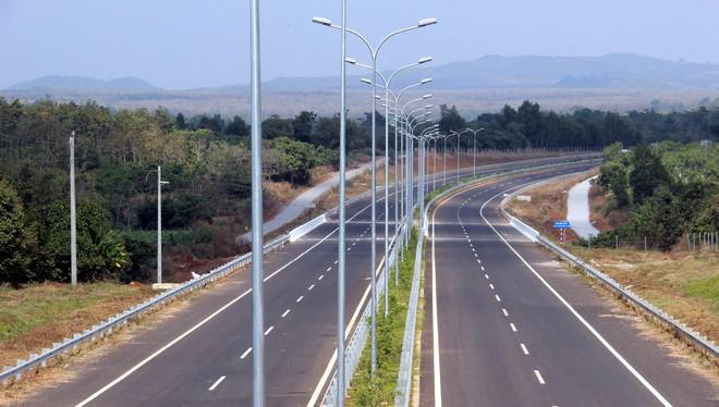 Tổng nhu cầu nguồn vốn năm 2015 để đầu tư đường cao tốc theo phương án tăng trưởng cao là 394.583 tỷ đồng