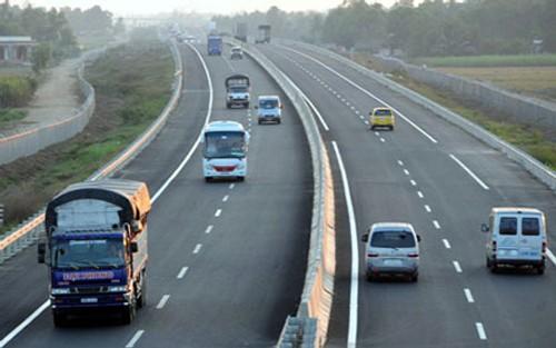 Đến 2020 phải hoàn thành 2500km đường cao tốc