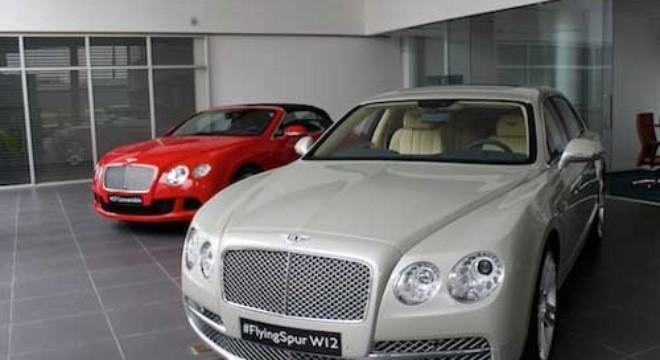 Buôn ôtô sang triệu đô: Đâu dễ moi tiền nhà giàu Việt