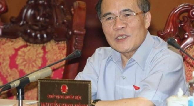 Chủ tịch Quốc hội Nguyễn Sinh Hùng đề nghị phải phân cấp rõ ràng giữa trung ương với địa phương để bố trí ngân sách cho hợp lý
