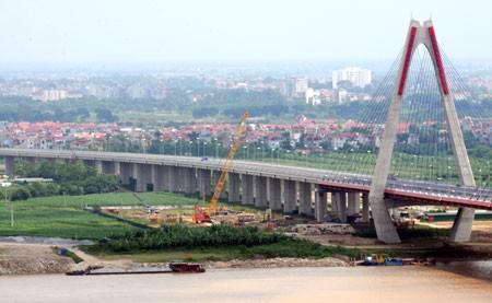 Ai đang giật dây làm giá đất ven cầu Nhật Tân?