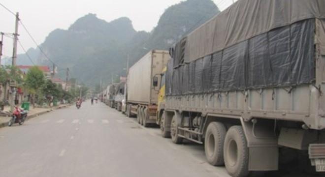 Lại dồn ứ hàng hoa quả xuất sang Trung Quốc