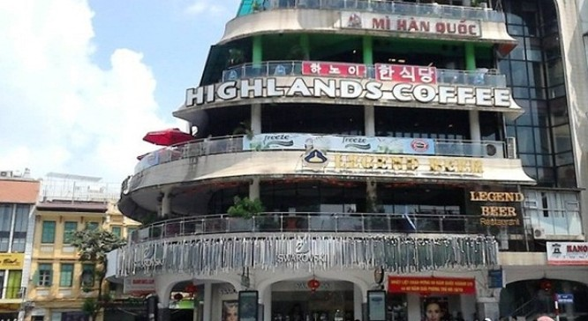 """Tòa nhà """"Hàm cá mập"""", nơi kinh doanh vào loại đắt đỏ bậc nhất Thủ đô."""
