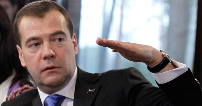Thủ tướng Nga Dmitry Medvedev. Ảnh: zenfs