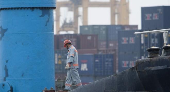 Xuất nhập khẩu ảm đạm, Trung Quốc lo tăng trưởng hụt hơi