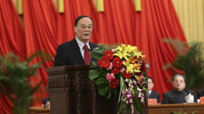 Ông Vương Kỳ Sơn, chỉ huy chiến dịch chống tham nhũng và lãng phí trong khu vực nhà nước ở Trung Quốc - Ảnh: Xinhua