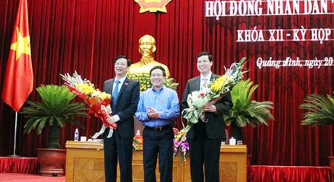 Phó Thủ tướng Phạm Bình Minh chúc mừng hai đồng chí Nguyễn Văn Đọc, Nguyễn Đức Long giữ cương vị mới