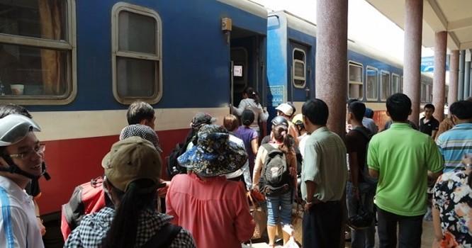 Dù bị cạnh tranh gay gắt từ phía đường bộ, nhưng lượng hành khách đi tàu hỏa vẫn rất lớn