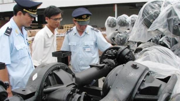 Việt Nam nhập khẩu một lượng lớn máy móc, thiết bị, phụ tùng từ Trung Quốc