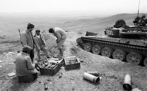 Lính Armenia trong cuộc chiến ở Nagorno-Karabakh năm 1993 - Ảnh: Getty Images.