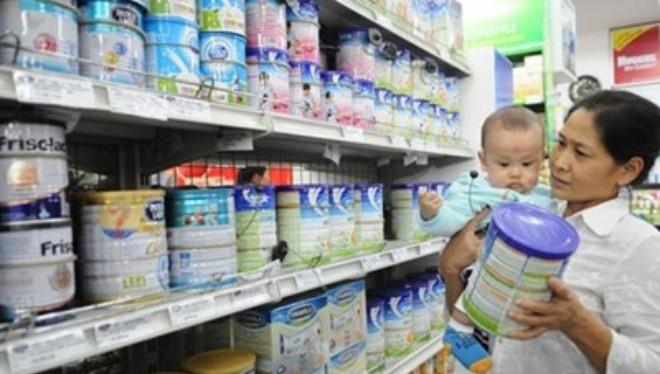 Tiếp tục quản chặt giá sữa cho trẻ em dưới 6 tuổi