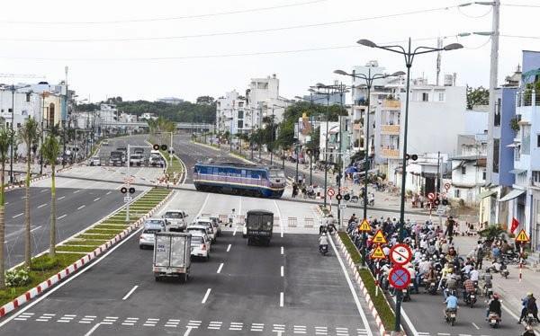 Đường sắt Bắc - Nam, đoạn qua đường Phạm Văn Đồng, TPHCM