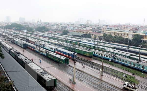 Các đoàn tàu ở ga Hà Nội.