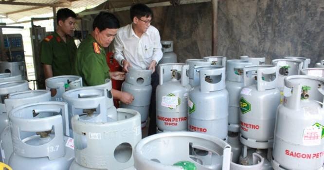 rạm chiết gas lậu tại Long An bị cơ quan chức năng triệt phá - Ảnh: L.S.