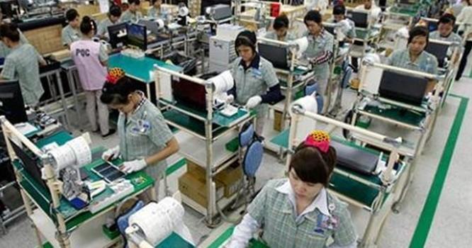 Samsung tự sản xuất phụ kiện: Ai phải tự trách mình?