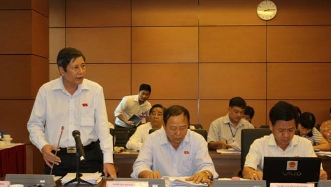 Ông Trần Thanh Hải, Phó Chủ tịch Tổng LĐLĐ Việt Nam, phát biểu tại phiên thảo luận tổ sáng 22-5