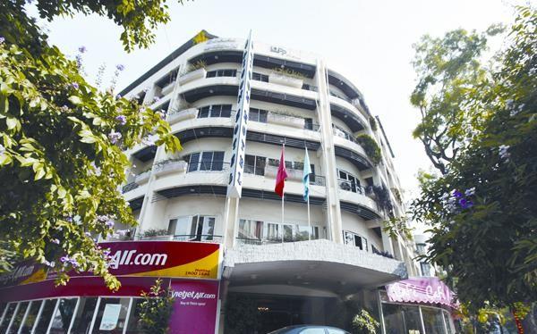 Khách sạn Thương mại Sài Gòn nằm tại 2 lô đất vàng 80 - Lý Thường Kiệt và 22 - Phan Bội Châu (Hà Nội)