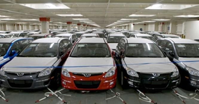 Thay đổi cách tính thuế tiêu thụ đặc biệt với ôtô nhập khẩu có thể đẩy giá bán tăng cao.