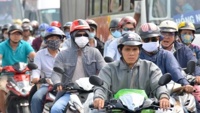 Tròng thêm phí cho xe máy