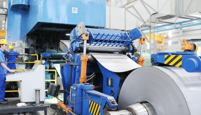 Sản xuất thép tại một công ty trong nước