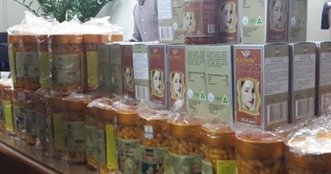 Một phần sản phẩm thực phẩm chức năng giả bị cảnh sát thu giữ.