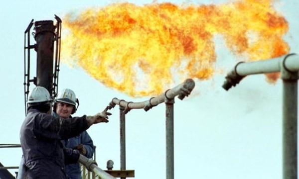 Nga không thể lùi trong cuộc chiến giá dầu với OPEC