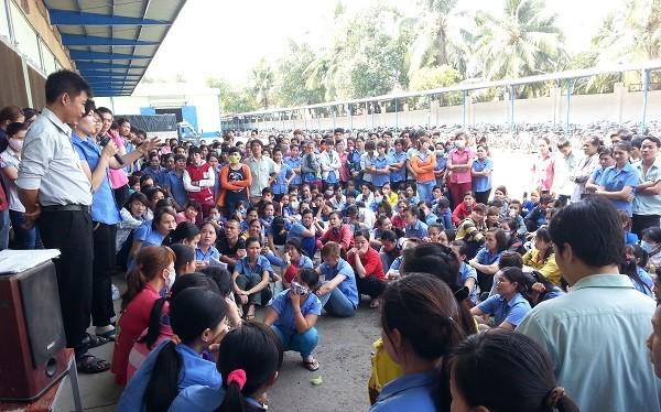 Gần 900 công nhân Cty Shilla Bags ngừng việc đòi quyền….đi vệ sinh.