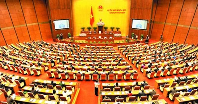 """Công nhân phản ứng vì không được nhận """"trợ cấp BHXH một lần"""", quốc hội phải họp sửa luật"""