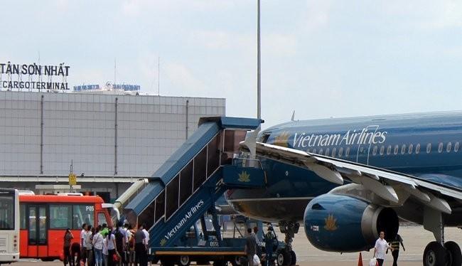 Vietnam Airlines là DNNN đang trong tiến trình cổ phần hóa.