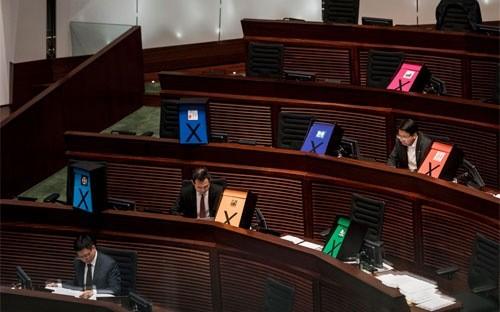 Hội đồng Lập pháp Hồng Kông trong một phiên làm việc ngày 17/6/2015 - Ảnh: Bloomberg.