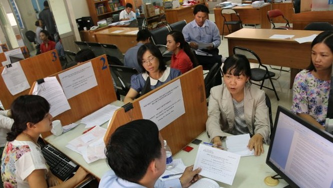 Người dân và doanh nghiệp đến Cục Thuế TP. HCM hỏi thủ tục quyết toán thuế