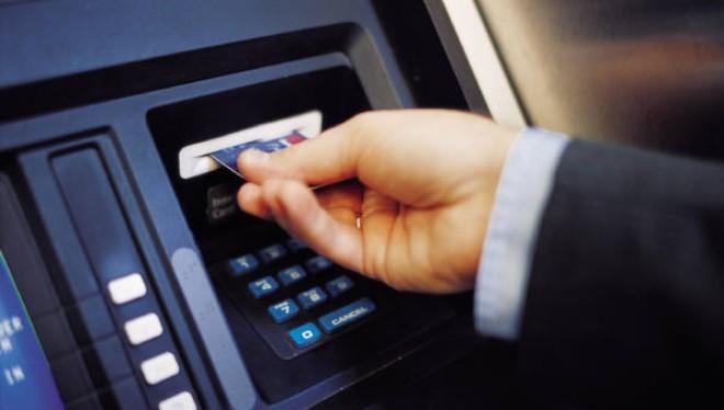 NHNN yêu cầu công khai lãi suất cho vay qua thẻ tín dụng