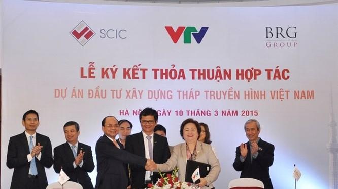 Lễ ký kết thỏa thuận hợp tác Dự án đầu tư xây dựng Tháp Truyền hình Việt Nam giữa đại diện Đài Truyền hình Việt Nam, SCIC và Tập đoàn BRG tháng 3-2015.