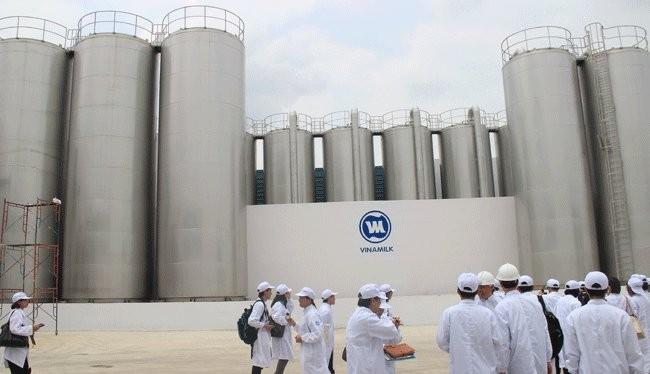 Bồn chứa của nhà máy sữa nước Vinamilk