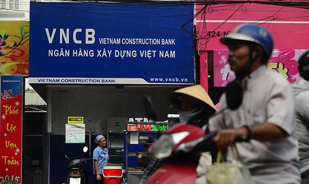 Sau khi tái sinh, những ngân hàng bị mua 0 đồng sẽ sáp nhập vào Vietinbank, Vietcombank hoặc đem bán đấu giá
