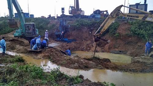 Đường ống nước sông Đà liên tiếp gặp sự cố, vỡ lần thứ 13
