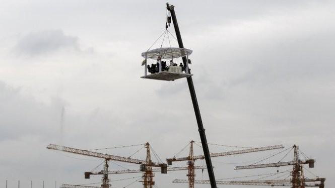 Một công trình xây dựng ở Côn Minh. Tăng trưởng Trung Quốc đang cho thấy nhiều dấu hiệu xấu Ảnh: Reuters