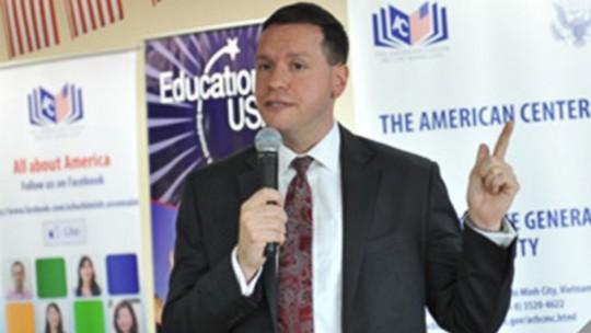 Cựu nhân viên Lãnh sự quán Mỹ tại TP HCM Michael T. Sestak Ảnh: usconsulate.gov