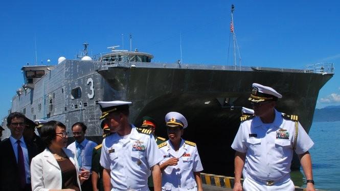 Tàu đổ bộ cao tốc USNS Millinocket hải quân Mỹ cập cảng Tiên Sa