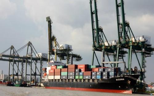 Nhà chức trách kỳ vọng quy định mới sẽ hạn chế tình trạng vận tải biển bị áp phí vô tội vạ.