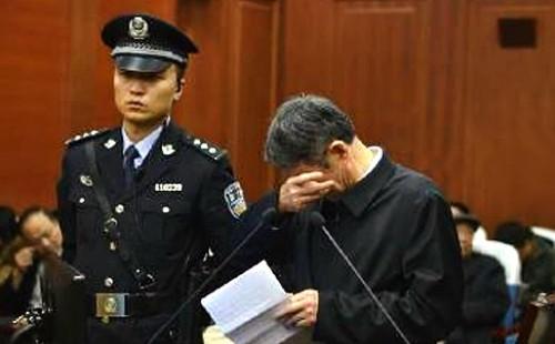 Quan chức Trung Quốc nhận tội