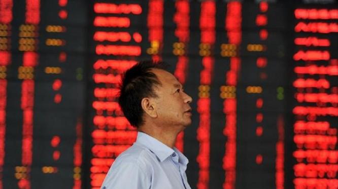 Trung Quốc tiếp tục tung ra biện pháp hỗ trợ thị trường chứng khoán - Ảnh: Reuters