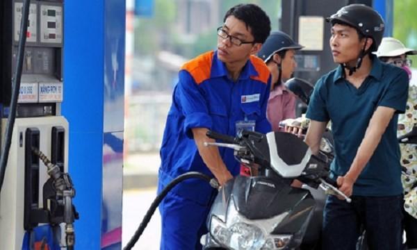 Giá xăng Việt Nam nằm trong top rẻ nhất thế giới?