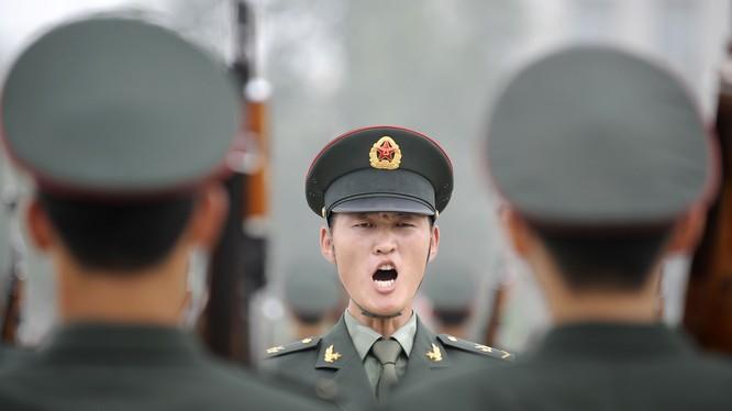 Chủ tịch Tập Cận Bình tuyên bố Trung Quốc sẽ cắt giảm 300.000 quân, nhưng không thông báo rõ việc cắt giảm nhằm vào khu vực nào - Ảnh: AFP