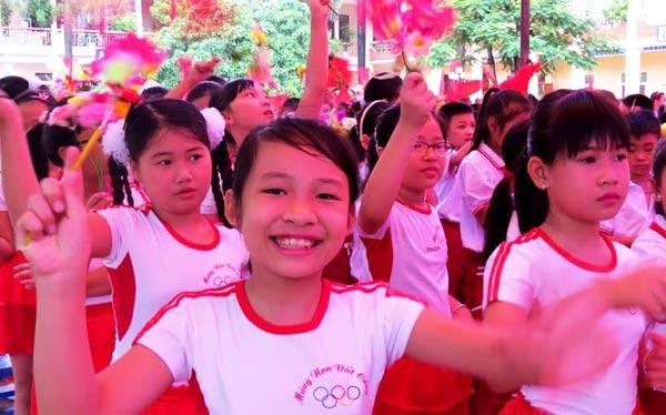 Học sinh trường tiểu học Thái Phiên, quận Ngô Quyền (Hải Phòng) dự lễ khai giảng. Ảnh: Lan Hạ.
