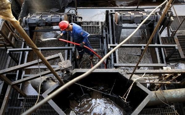 Giá dầu có thể giảm xuống 25 USD mỗi thùng