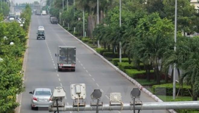 Các camera và máy đo tốc độ được gắn trên các tuyến đường cao tốc để soi vi phạm và xử phạt. (Ảnh: Sỹ Tuyên/TTXVN)
