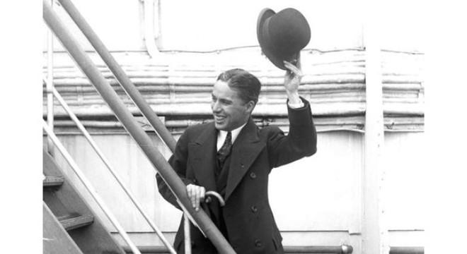 Charlie Chaplin trở về từ châu Âu - 18/10/1921. Ảnh: Getty Images